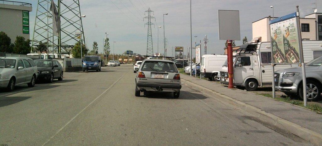 Авто из Парагвая. В Италии...