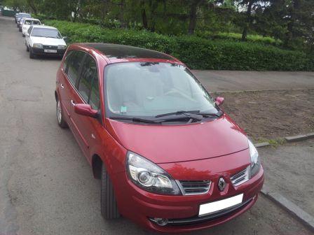 Renault Grand Scenic 2009 - отзыв владельца