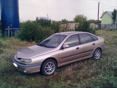 Renault Laguna 1999 - отзыв владельца