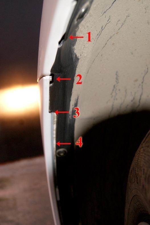 на фото не видно, но в дыру №1 прекрасно просматривается задняя часть фары