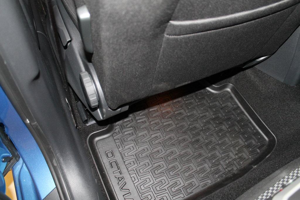 Родные коврики заднего пассажира