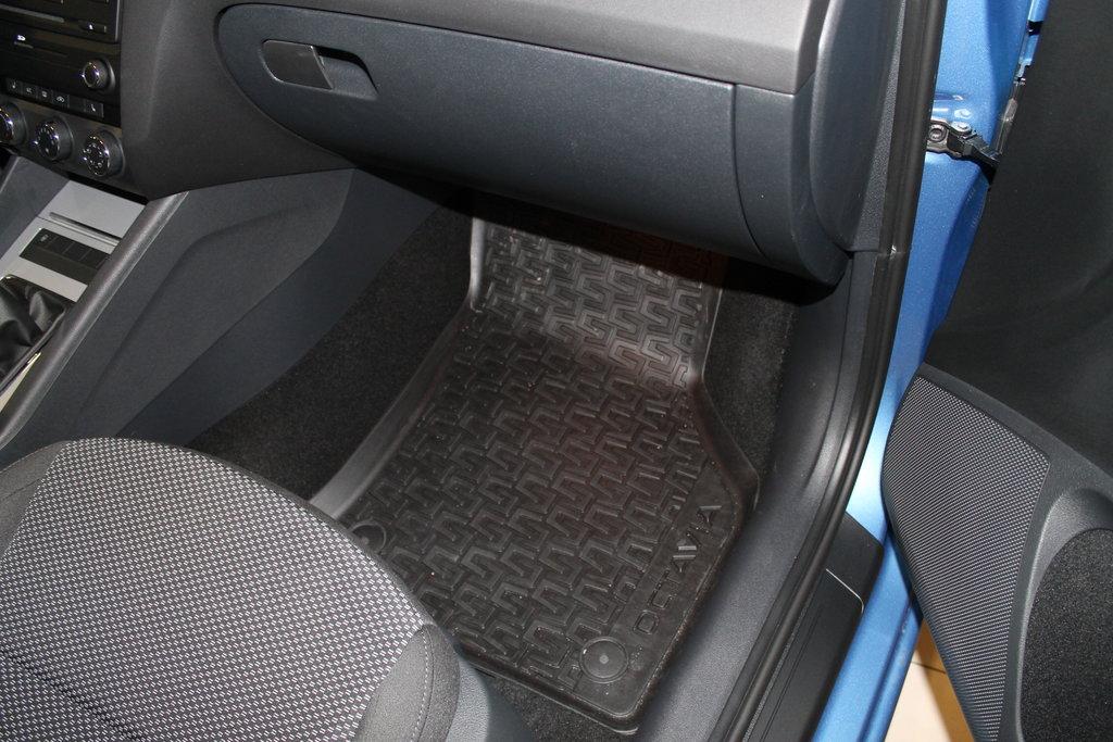 Родные коврики переднего пасажира
