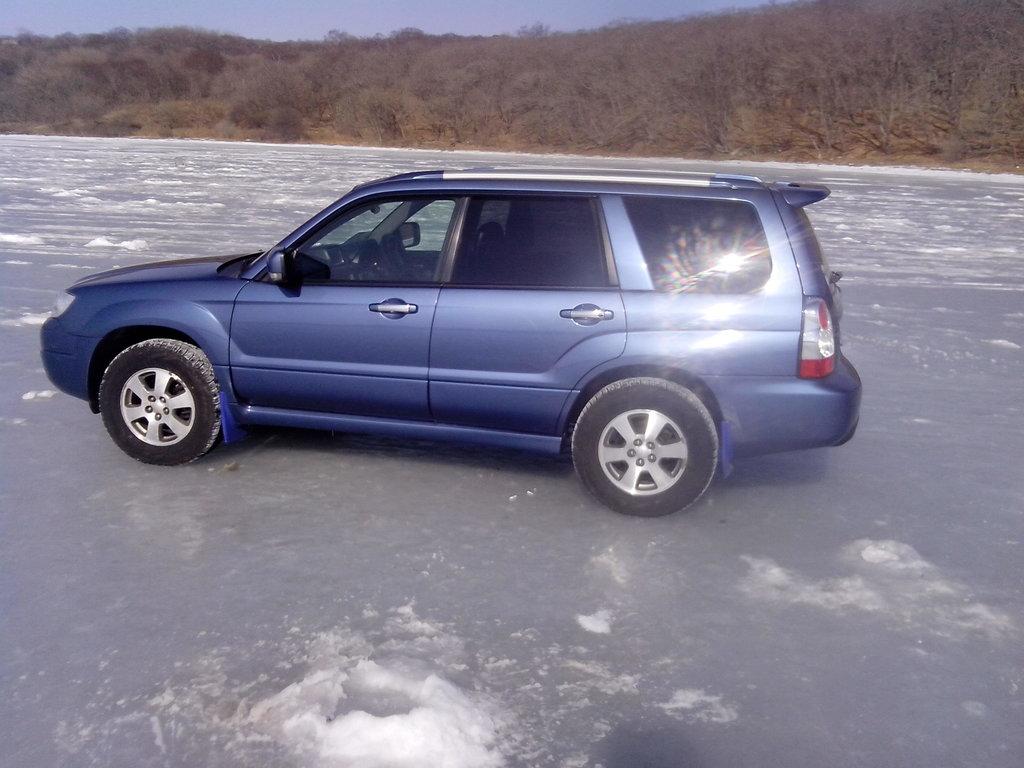 на рыбалке на о.Русский, вот так выглядит авто на литье от SF5 и на резине 215-70-15