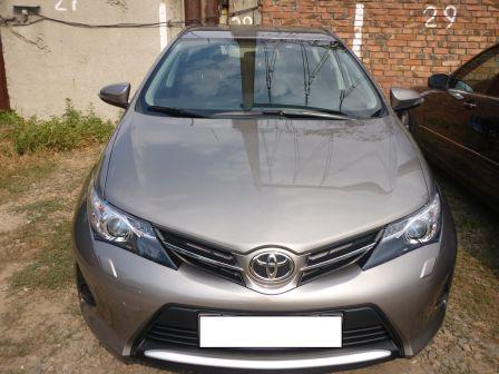 Toyota Auris 2014 - отзыв владельца
