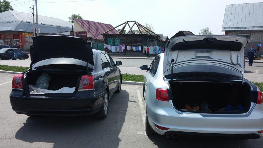 Багажники с VW Jetta одинаковые по вместимости.