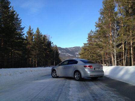 Toyota Avensis 2010 - отзыв владельца