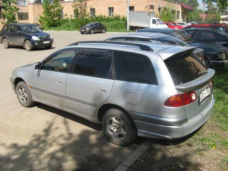 Toyota Caldina 1998 - отзыв владельца