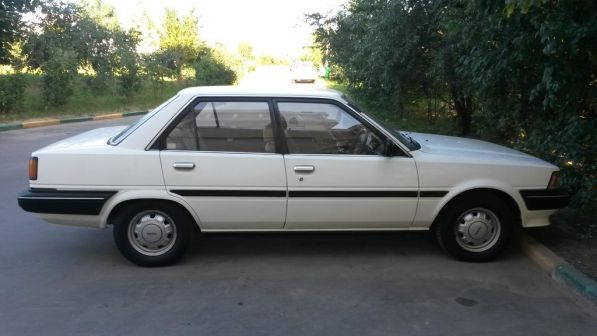 Toyota Carina 1985 - отзыв владельца