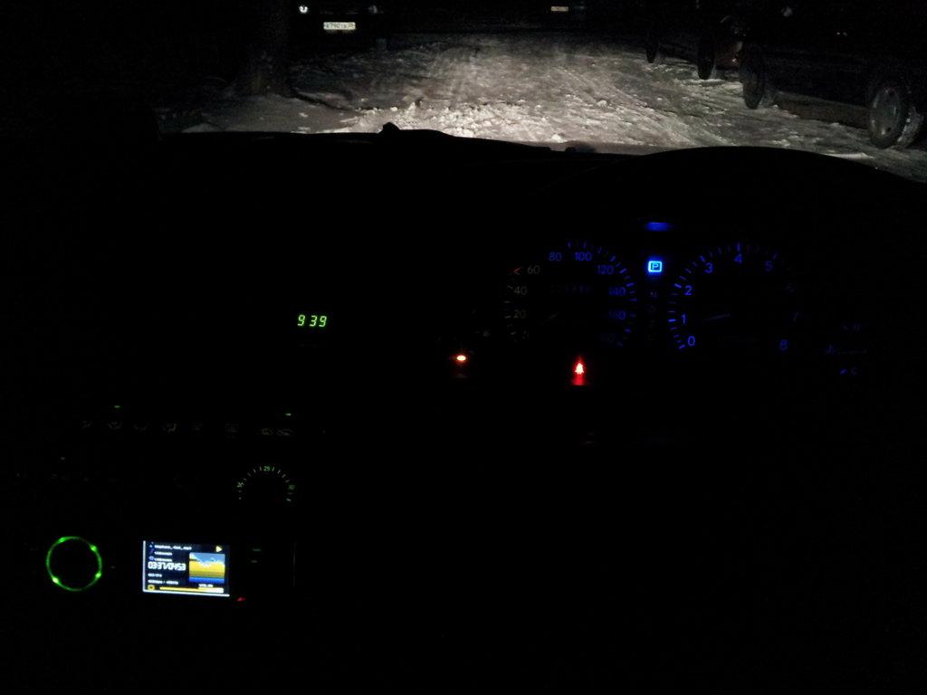 OSCAR ночью)на фото не так уж,но в реале ярче