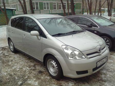 Toyota Corolla Verso 2007 - отзыв владельца