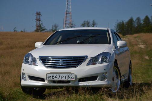 Toyota Crown 2010 - отзыв владельца