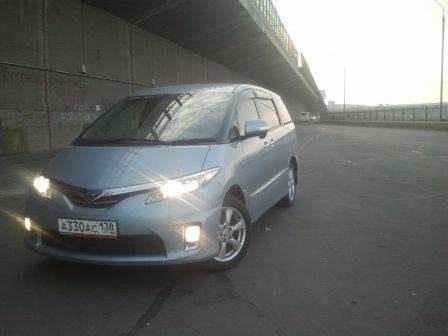 Toyota Estima 2010 - отзыв владельца