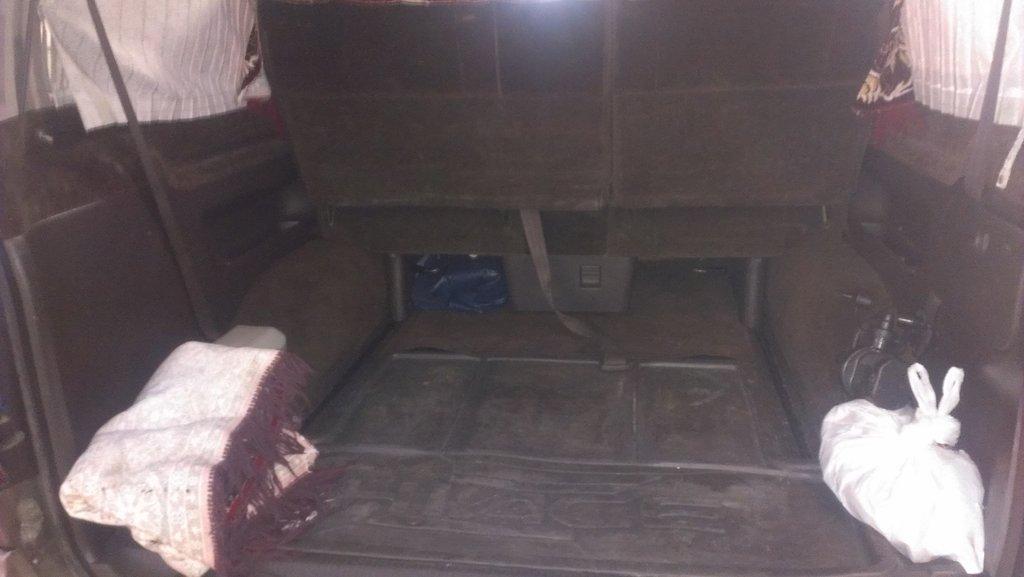 место под багаж с здвинутым сидением