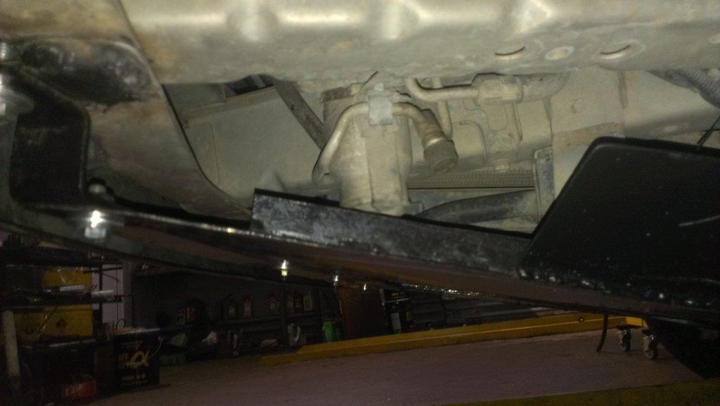 низко установленный рессивер надежно спрятался под защитой