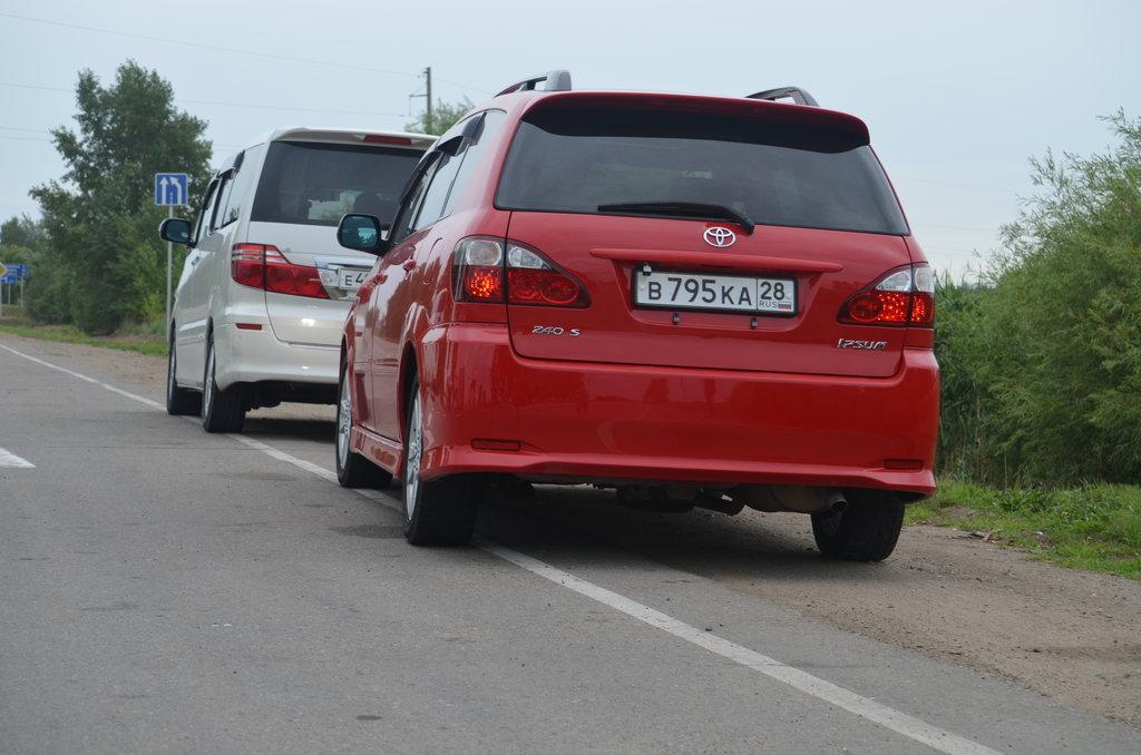 Предыдущая и новая машины Алексея (владельца нашей машины).