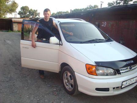 Toyota Ipsum 1999 - отзыв владельца