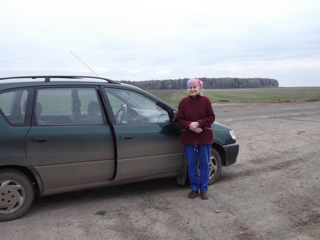 А это мама, в 76 лет путешествующая на автомобиле по маршруту Н.Новгород-Омск.
