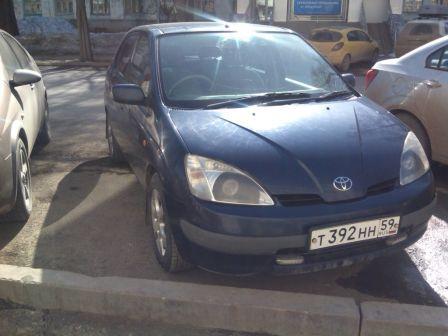 Toyota Prius 1999 - отзыв владельца
