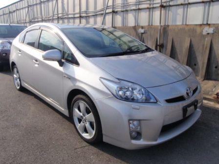 Toyota Prius 2010 - отзыв владельца
