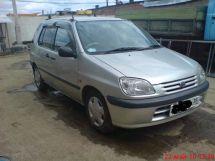 Toyota Raum, 2001