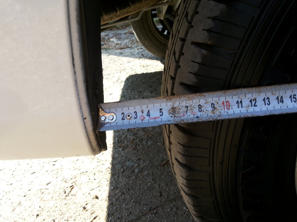 Арка заднего колеса с родными 165R13 LT