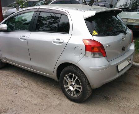 Toyota Vitz 2009 - отзыв владельца