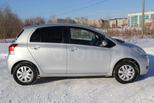 Toyota Vitz 2010 - отзыв владельца
