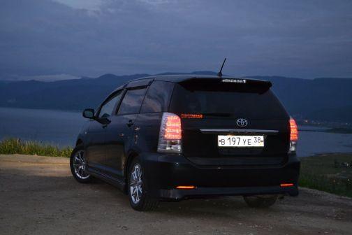 Toyota Wish 2005 - отзыв владельца