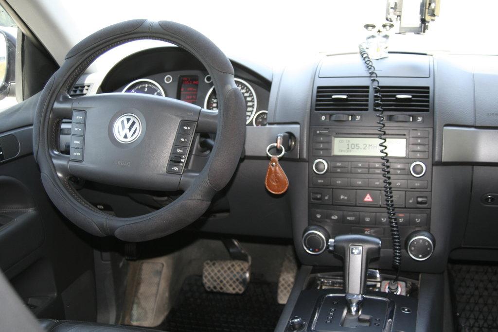 2005 volkswagen touareg review