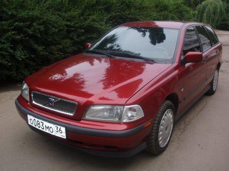 Volvo V40 2000 - отзыв владельца
