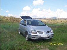 Nissan Tino, 2001