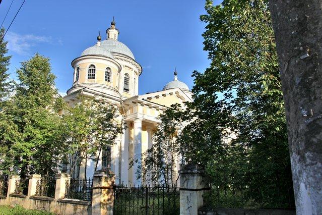 Памятник подешевле Храмы и монастыри Ваза. Покостовский гранит Александровск