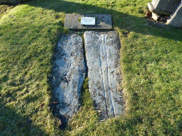 Надгробие крестоносца Мемориальный комплекс из двух видов гранитов Вологда