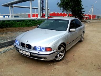 BMW 5-Series, 2000