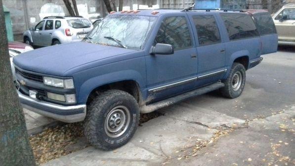 Chevrolet Suburban 1996 - отзыв владельца