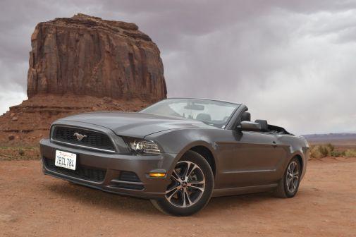 Ford Mustang 2011 - отзыв владельца