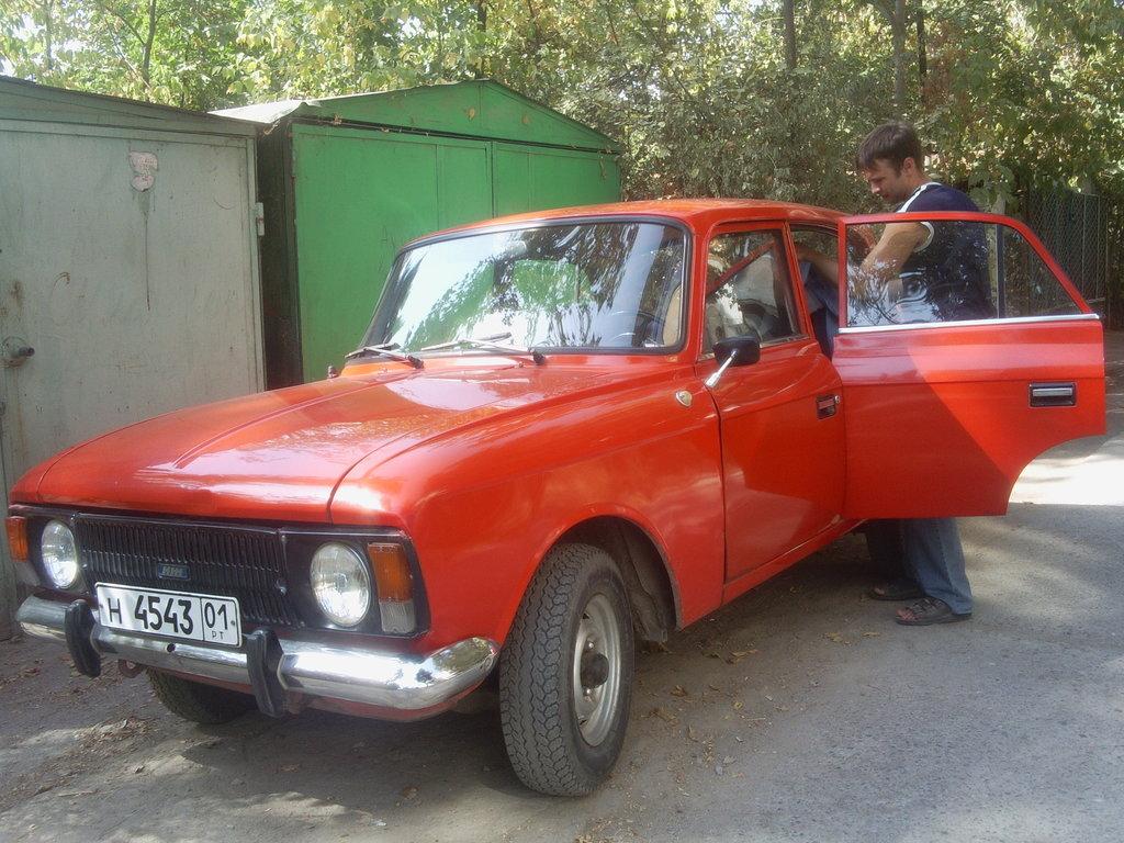 Москвич в Душанбе.