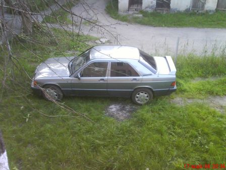Mercedes-Benz C-Class 1990 - отзыв владельца