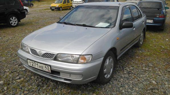 Nissan Almera 1999 - отзыв владельца