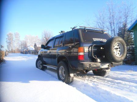 Nissan Terrano 1998 - отзыв владельца