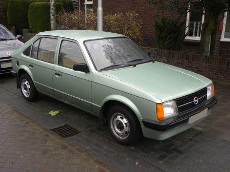 Opel Kadett 1982 - отзыв владельца