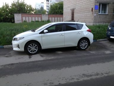 Toyota Auris, 2013