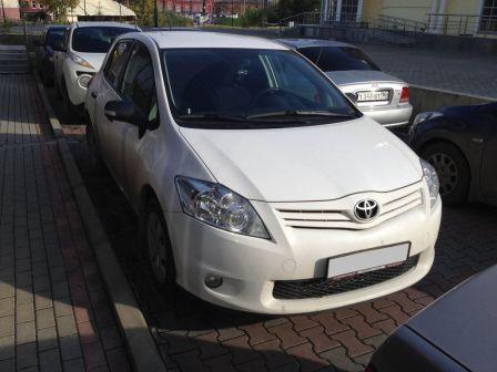Toyota Auris 2012 - отзыв владельца