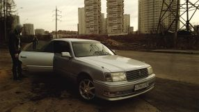 Toyota Crown, 1999
