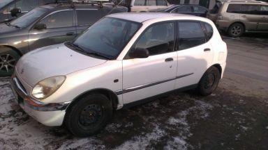 Toyota Duet, 2000