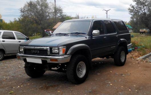 Toyota Hilux Surf 1990 - отзыв владельца