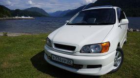 Toyota Ipsum, 2000