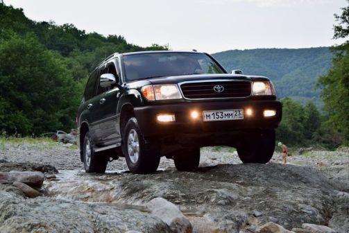 Toyota Land Cruiser 1999 - отзыв владельца