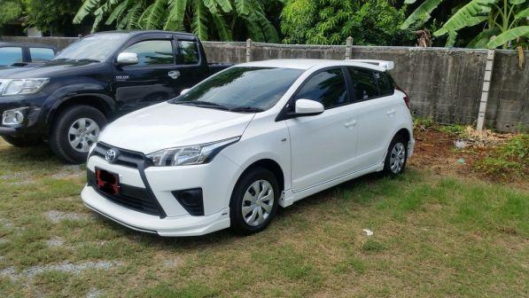 Toyota Yaris 2015 - отзыв владельца