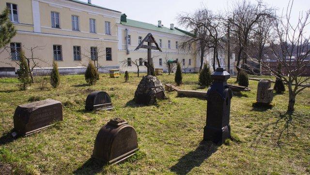 Купить памятник на кладбище Мещовск купить памятник на кладбище Еманжелинск